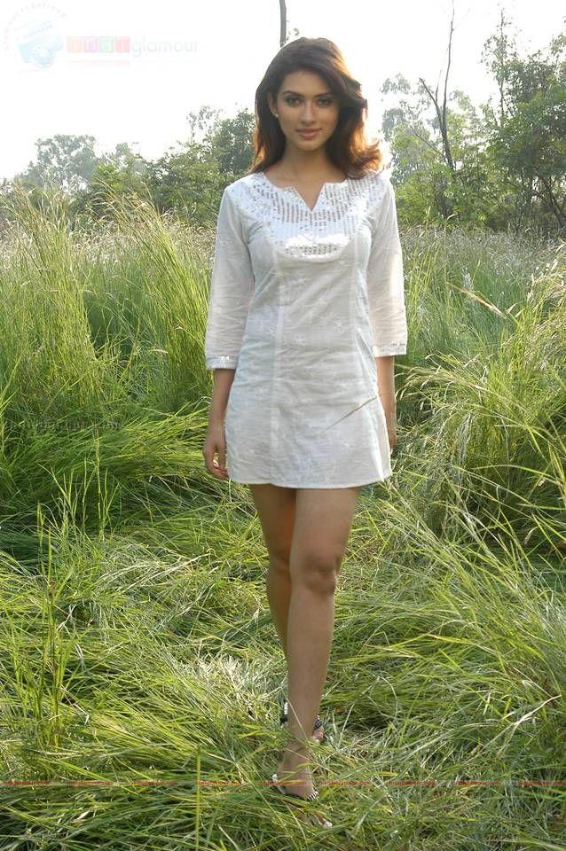 Gowri Pandit - /// Bollywood