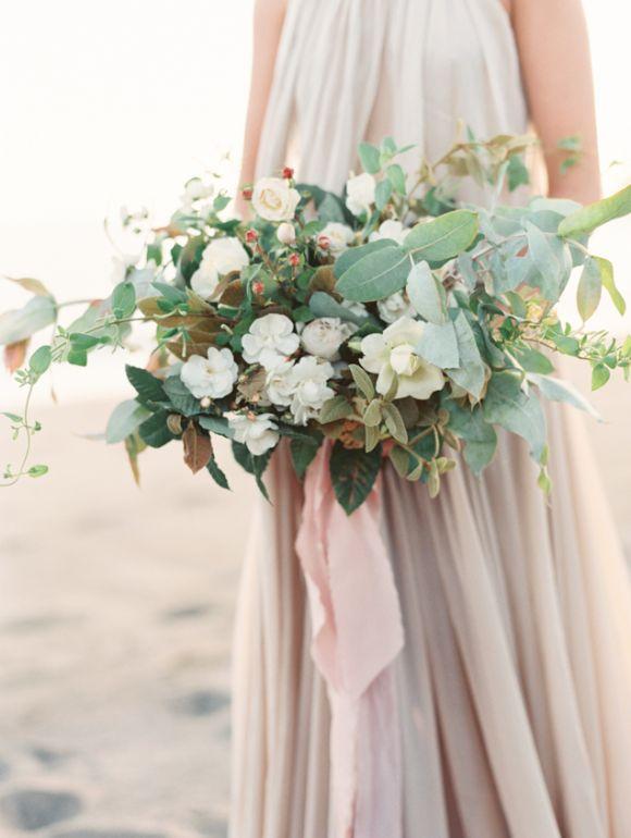 25 Best Wedding Bouquets for the Fine Art Bride | Wedding Sparrow
