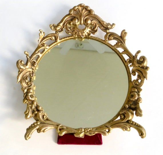 Vintage Rococo Style With Scrolls And Acanthus Leaves Brass Glass Oval Picture Frame