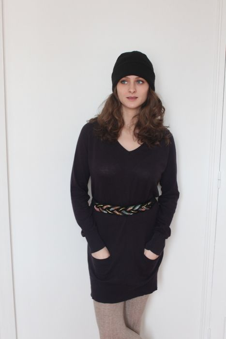 7€ : Robe-pull ample violette foncée en maille à col V avec poches à 10€ #robe #robepull #sweaterdress #winterdress