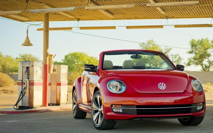 In a classy update to an iconic car, the 2013 VW Beetle convertible offers a distinctive presence on the road in both styling and performance, available with gasoline, turbo and TDI® Clean Diesel engines.