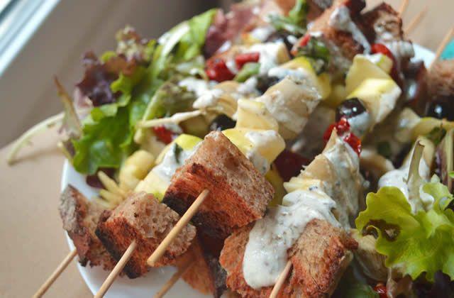 Les brochettes végétariennes & printanières à la crème de coco—Recette avec les doigts