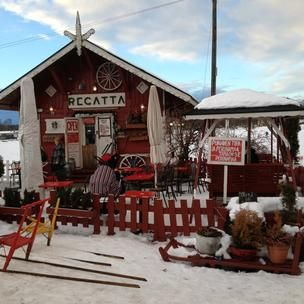 Café Regatta - Probably the cutest place in town