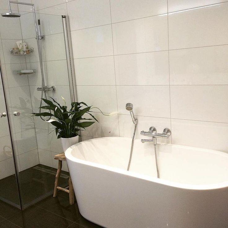 Hvem kunne tenkt seg badekar? foto @juliegranlund #baderomsinspo ...