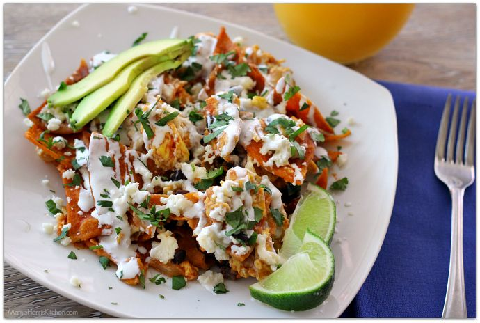 Looking for the perfect brunch for a lazy Sunday afternoon? You're in luck then, this Easy Chilaquiles Rojos recipe is quick and tasty!
