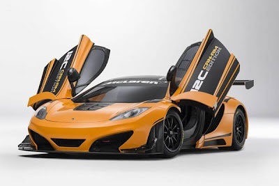 When in Pebble Beach / California, you can marvel at the McLaren yesterday 12 C Can-Am Edition Race Concept. It is a study of McLaren, which has its origin in the McLaren GT and should provide with only 1200 kg his race fitness to the test. The speech is also one to almost two-thirds higher output because of the special