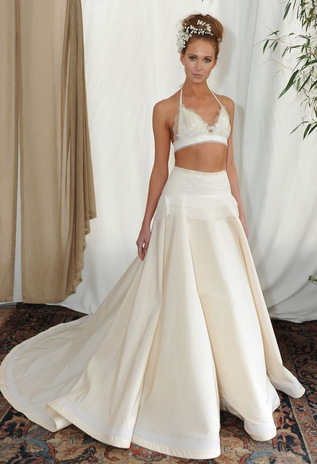 Popular Continuing our rundown of our favourite collections from New York Bridal Fashion Week swoon over the romantic new Monique Lhuillier wedding dress