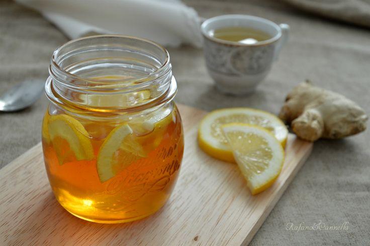 L'infuso al miele contro il mal di gola è semplicissimo da realizzare (come tutti i rimedi casalinghi delle nostre nonne) e potete berlo in caso di ...