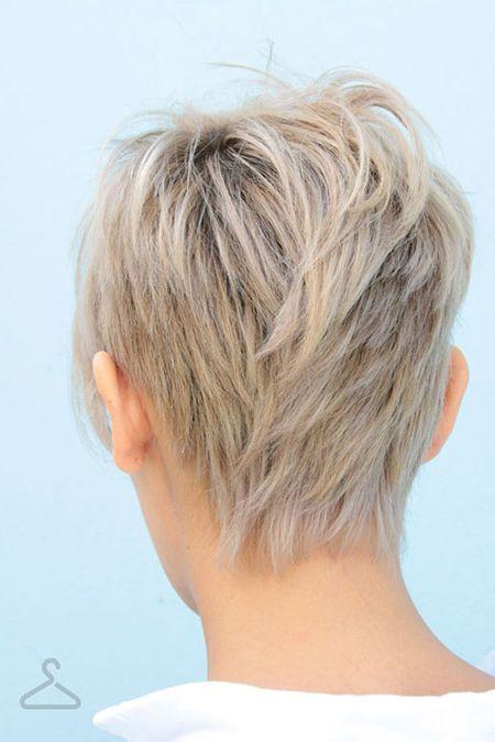 El cabello corto es cada vez más popular porque además de tener estilo y sofisticación, es fácil de manejar y de bajo mantenimiento. Por eso aquí te mostramos los tres cortes de cabello corto que serán más populares en 2018. La personalidad tiene una gran influencia a la hora de …