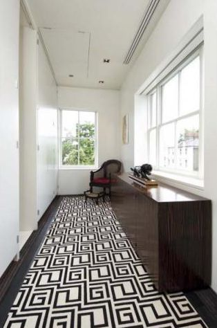 Tom Ford London. I love this GUCCI rug!