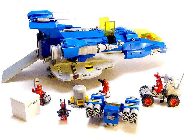 LL-700 flickr LEGO classic space