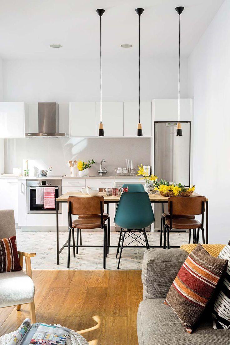 Une designer d'intérieur aménage un appartement espagnol