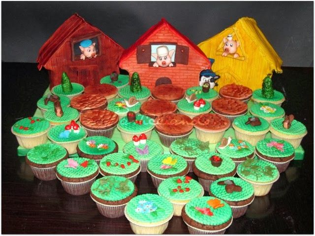 Se Pasticciando...: Tre porcellini....la torta ed i cupcake