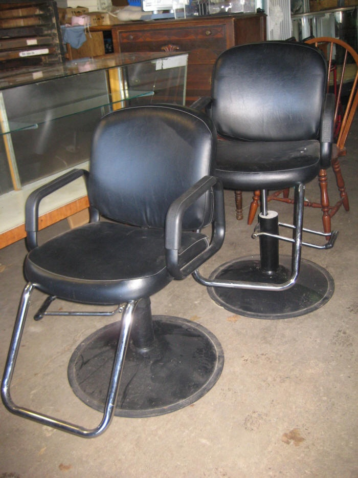 nice pair of barber shop beauty salon chairs cool stuff to buy pinterest shops salons. Black Bedroom Furniture Sets. Home Design Ideas