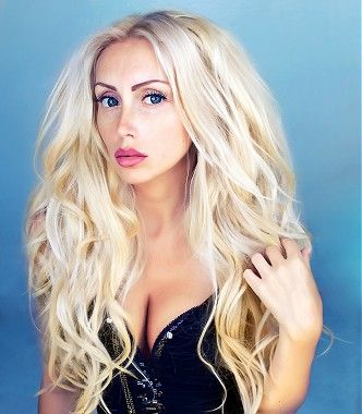 long blonde straight wavy coloured shaggy rock-chick womens hairstyles ...