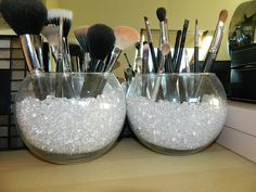 make up brushes display.                                                        …