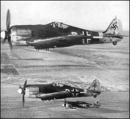 Focke Wulf Fw 190 F-8s of II./SG 77 in flight - Russia 1943