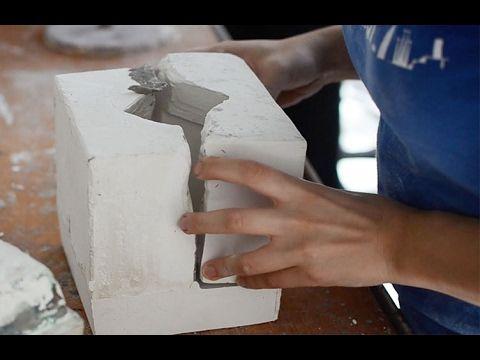 Como hacer un molde de yeso de cualquier cosa - YouTube