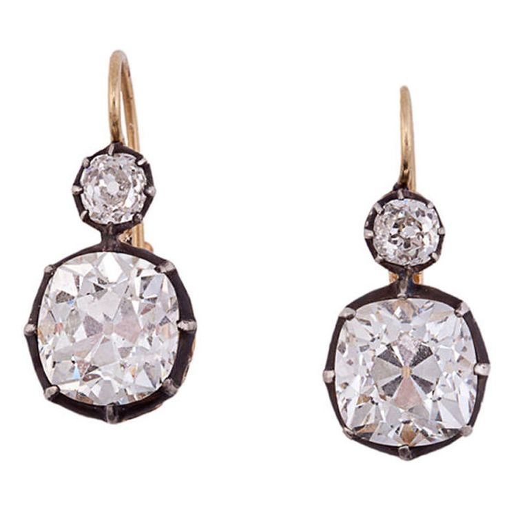 Victorian Diamond Two-Stone Gold Silver Earrings, diamonds: 1 at 4.80 carats, 1 at 4.37 carats, J-K color, clarity SI1, 1880.