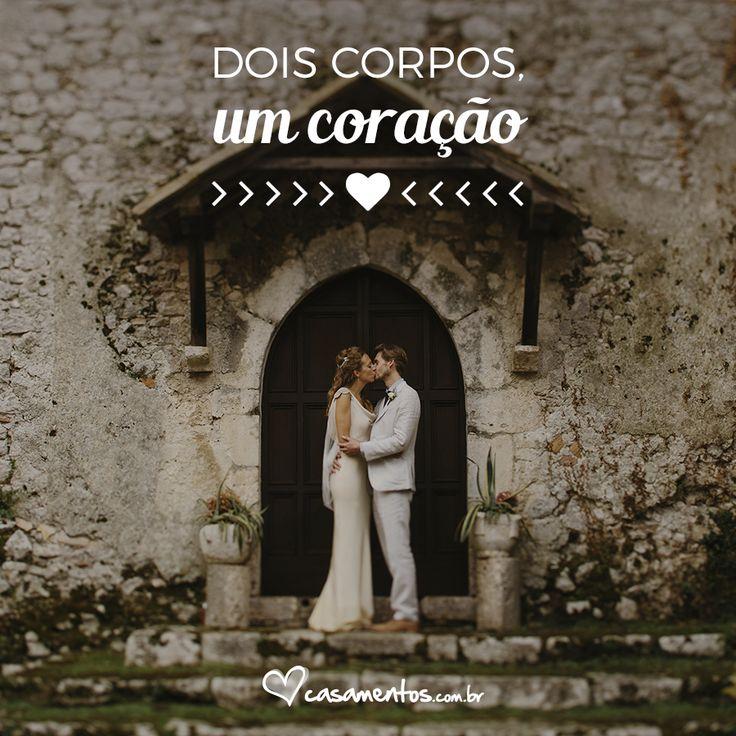Frases bonitas para compartilhar com o amor da sua vida #casamentoscombr #casamentos #casamentosbrasil #noivas #frasesdeamor #lovequotes #amor #frasesromanticas
