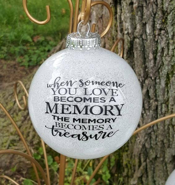 Diy Christmas Grave Decorations: Best 20+ Memorial Ornaments Ideas On Pinterest