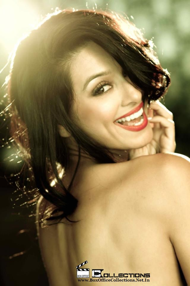Ipl Hottie Shibani Dandekar Hot Bikini Pics 10