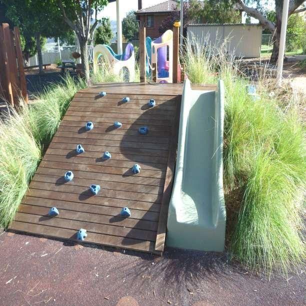 16 Ideen Gartengestaltung Kindergarten Garten Gestaltung Gartengestaltung Gartenstuhl Kinder Genia In 2020 Spielplatz Design Gartengestaltung Abschussiger Garten