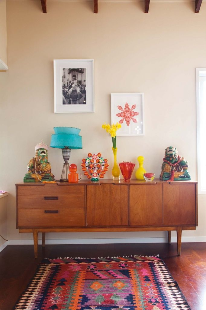 You may have loved mid-century modernism before, but you've never seen it quite like this. This bright and sunny take on the aesthetic is so fresh and vibrant, it's sure to wake even the sleepiest of stylists out of their design slumbers! Photo Credit: via a casarella The best part about this trend is that …