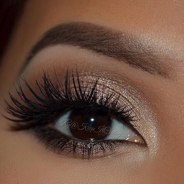 A stunning look from the talented keepitclassy_1 showing off her beautiful brown eyes for thsi eotd. source