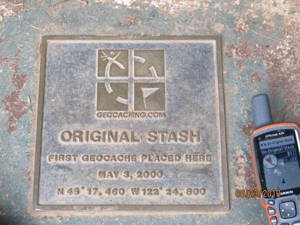 Original Stash Tribute Plaque (GCGV0P) ~ The first geocache was hidden in rural Oregon, USA on May 3, 2000.Geo Cache, Geocaching Adventure, Geocaching Ideas, Puedes Escaparates, Geocaching Fun, Rural Oregon, Plaque Gcgv0P, Geocaching Stuff, Originals Stash