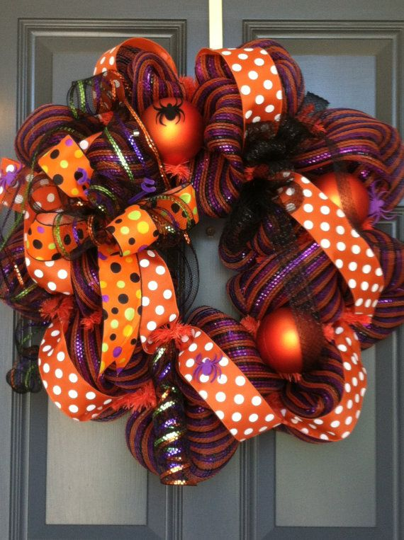 Hey, I found this really awesome Etsy listing at http://www.etsy.com/listing/152724491/halloween-wreath-for-front-door-or