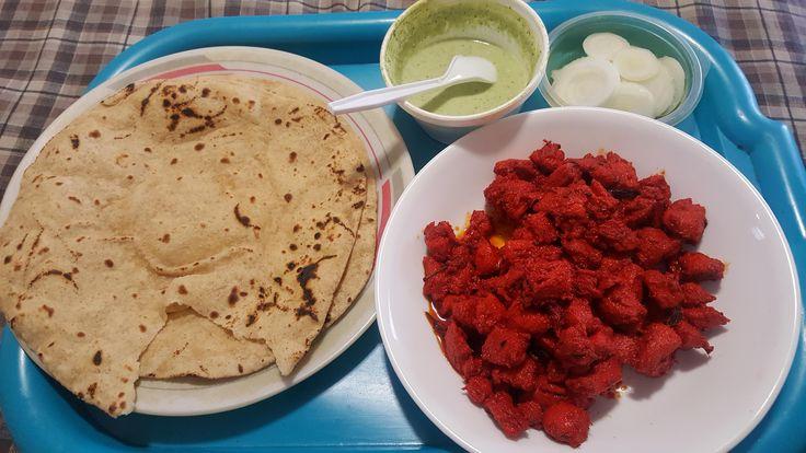 [Homemade] Boneless Tandoori Chicken with Chapati raita and onions. Extra marinated & seasoned.