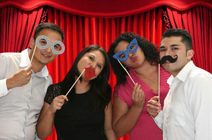 Accesorios para fiesta de graduación / Photobooth / Picks de Lentes, Bigote, Besos