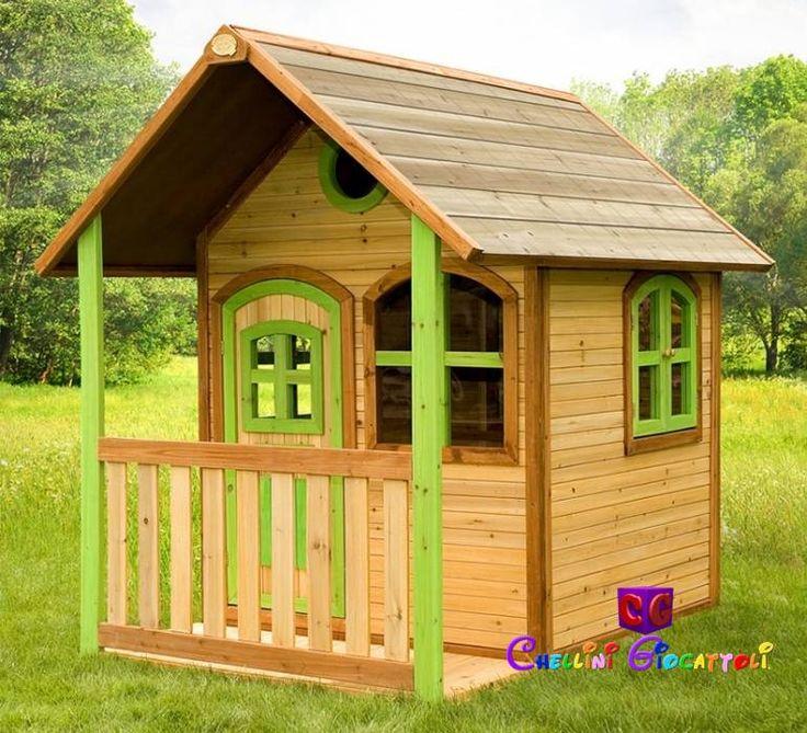 La casetta in legno Tom è una splendida palafitta in legno con veranda e scivolo, tetto a spiovente, finestre e porta apribili: un fantastico regalo per il vostro bambino, una casetta come quella che tutti vorrebbero avere!