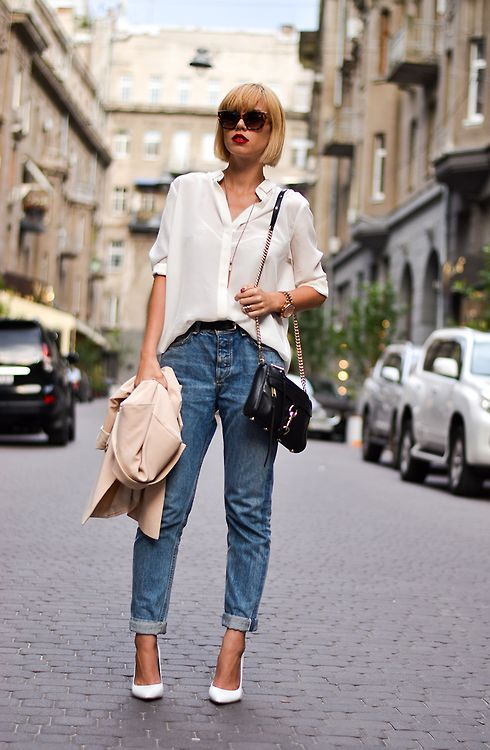 Perfect white button down paired with boyfriend jeans and pumps. Get yours: http://rstyle.me/n/m4wbe4ni6