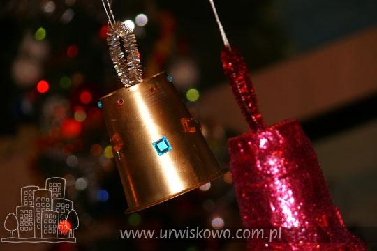 Ekspresowe dzwoneczki choinkowe z opakowań po jogurcie ~ URWISKOWO