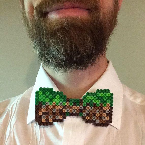 Minecraft Perler cuentas pajarita - hierba bloque verde marrón bowtie, jugador inconformista pixelart hama cuentas 8 bit padrinos boda corbata cumpleaños