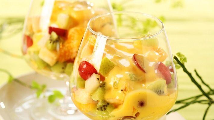 Fruktsalat med lime-sabayon - Gjester - Oppskrifter - MatPrat