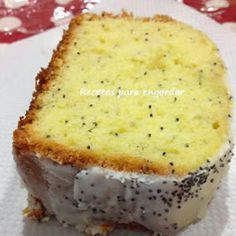 Ingredientes: 300 gr. de harina leudante 1 pizca de sal 200 gr. de manteca 200 gr. de azúcar 4 huevos Ralla...