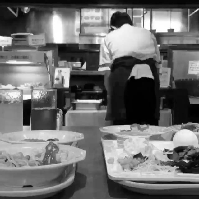 Title #buffet   Apr 9, 2017  朝食バイキングでタイムラプス😊  #ココス #朝食バイキング   #熊谷 #埼玉  #ファミレス #朝食バイキング #モーニング #食べ放題  #モノクロ #タイムラプス  #cocos #dinner #familyrestaurant   #morning #chopsticks   #kumagaya #saitama #japan   #food #yammy #foodporn  #monochrome #timelapse