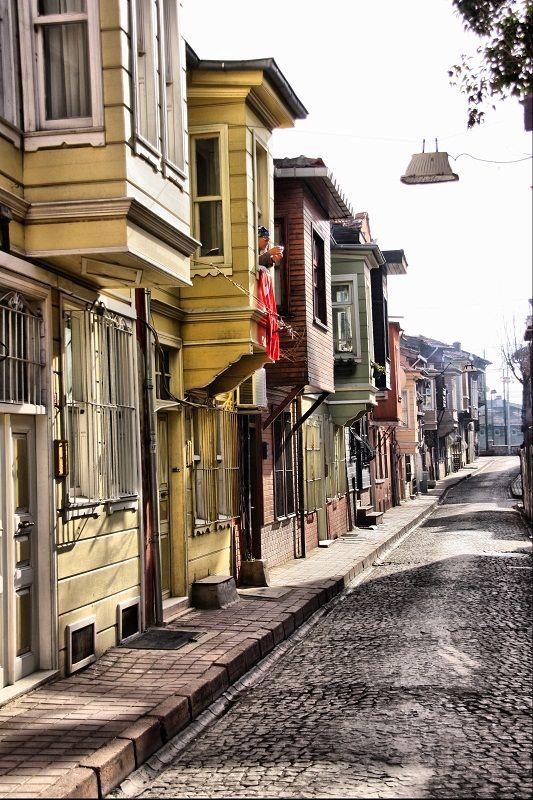 Old Istanbul Street by kerkerecardon.deviantart.com
