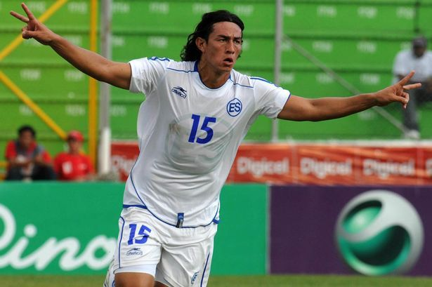 Salvadorean Alfredo Pacheco celebrates the second goal against Belize during their UNCAF Nations Cup match on January 24, 2009 at the Tiburcio Carias Andino stadium in Tegucigalpa