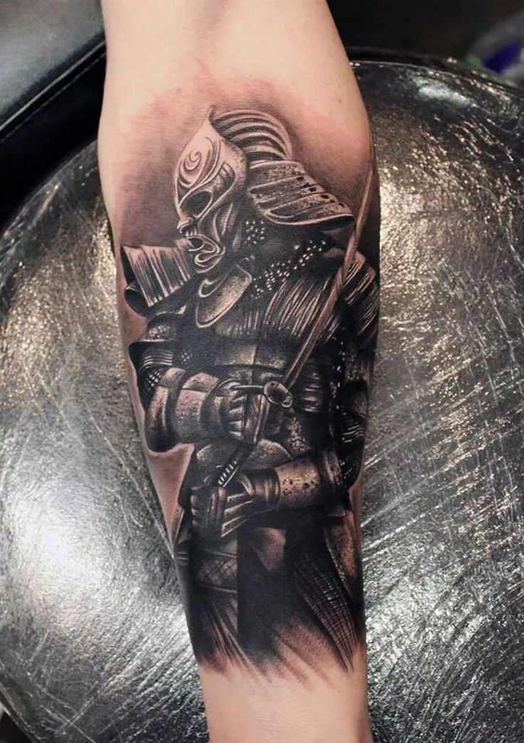 Image from http://tattoomaestro.com/wp-content/uploads/2014/07/samurai-mask-tattoo.jpg.
