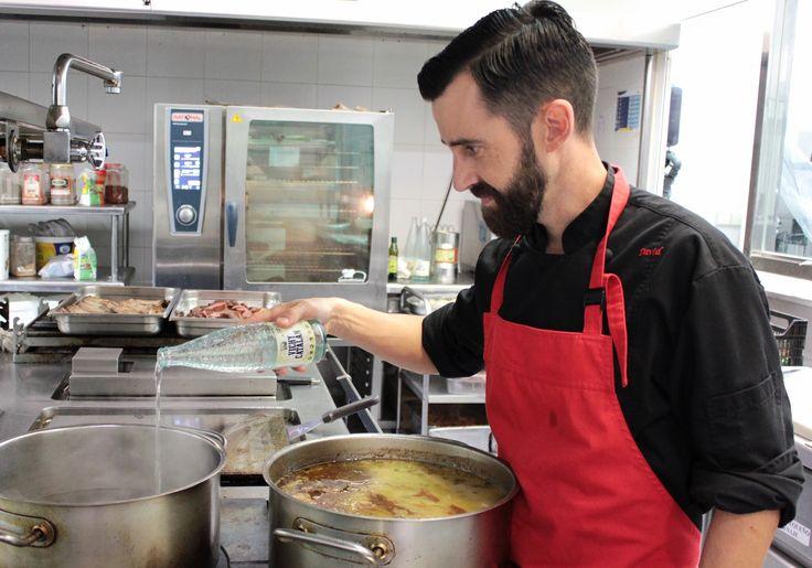 https://flic.kr/p/MqhPXh | El chef David Heras Fayos, del restaurant Delicius (Balneari Vichy Catalan) cocinando con Vichy Catalan