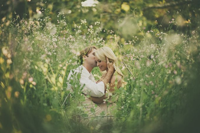 LOVE this intimate angle. Clean background and foreground. garden spring engagement | wild{whim} design + photography-01