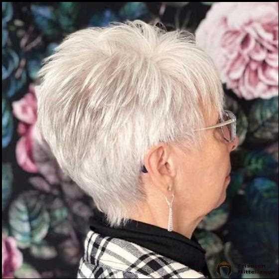 2019 Kurze Frisuren für ältere Frauen mit dünnem Haar #hair #coole #bob #bobfrisuren #coolesthairstyleforwomen