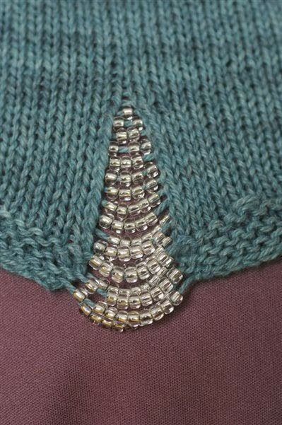 beads in knitting -  dropped stitches and bead inserts f2162b150994665e947e0e5d00159e4c.jpg (399×601)