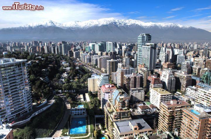 Santiago del Cile /  Pablo Rogat / Shutterstock.com Tutte le foto: http://www.ilturista.info/ugc/foto_viaggi_vacanze/santiago_del_cile/cile/