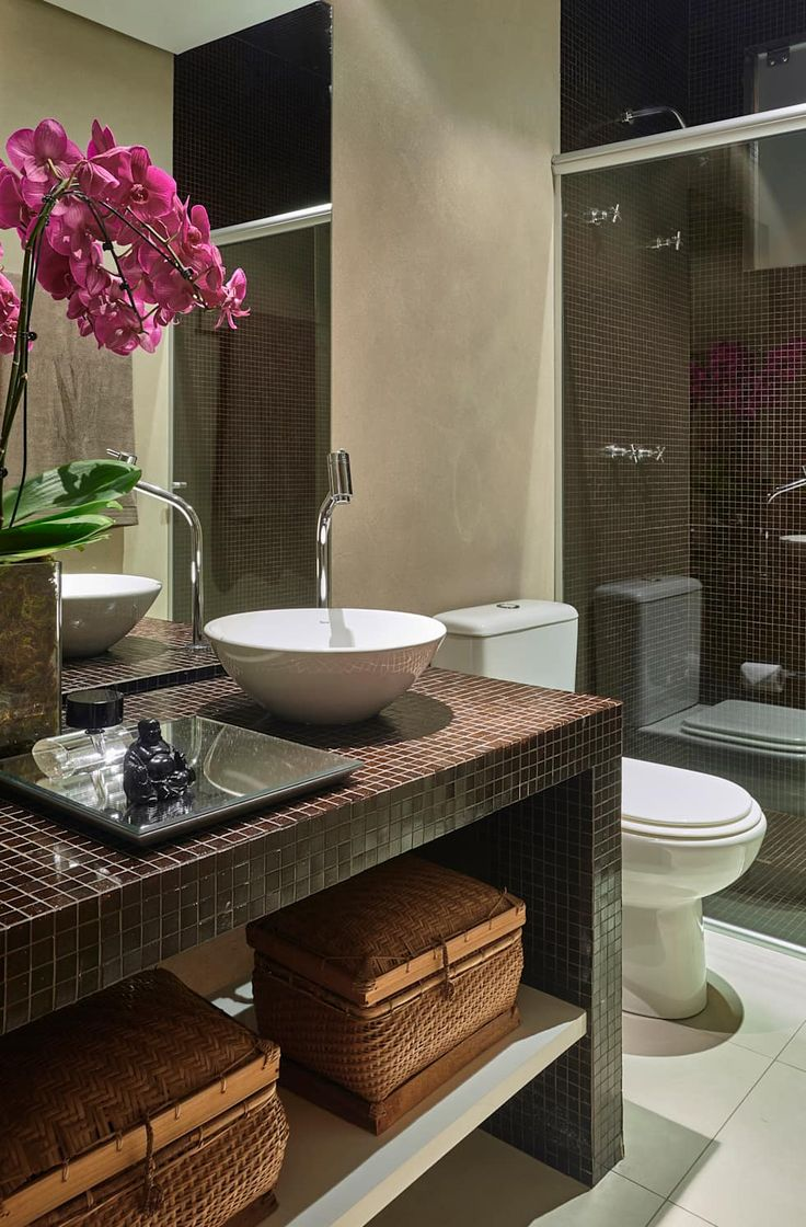 Casas de banho modernas por Isabela Canaan Arquitetos e Associados