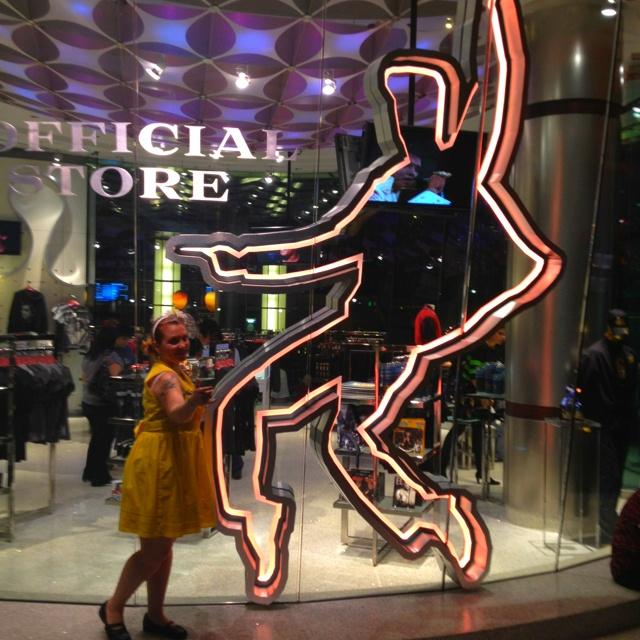 At VIVA ELVIS gift shop in Vegas April 2012   Bobosnakes Loves ...